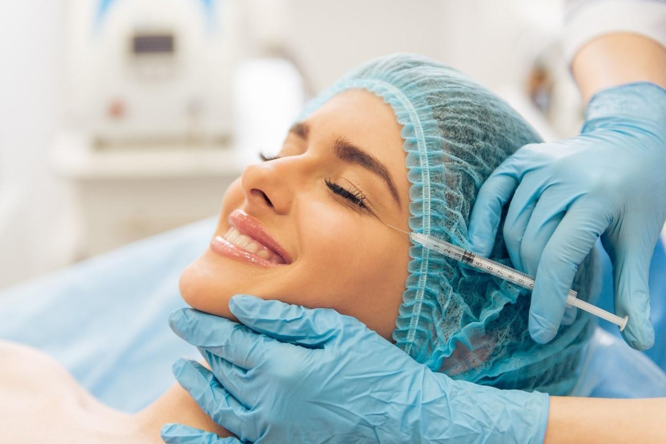 ¿Es recomendable hacerse tratamientos de medicina estética durante el verano?